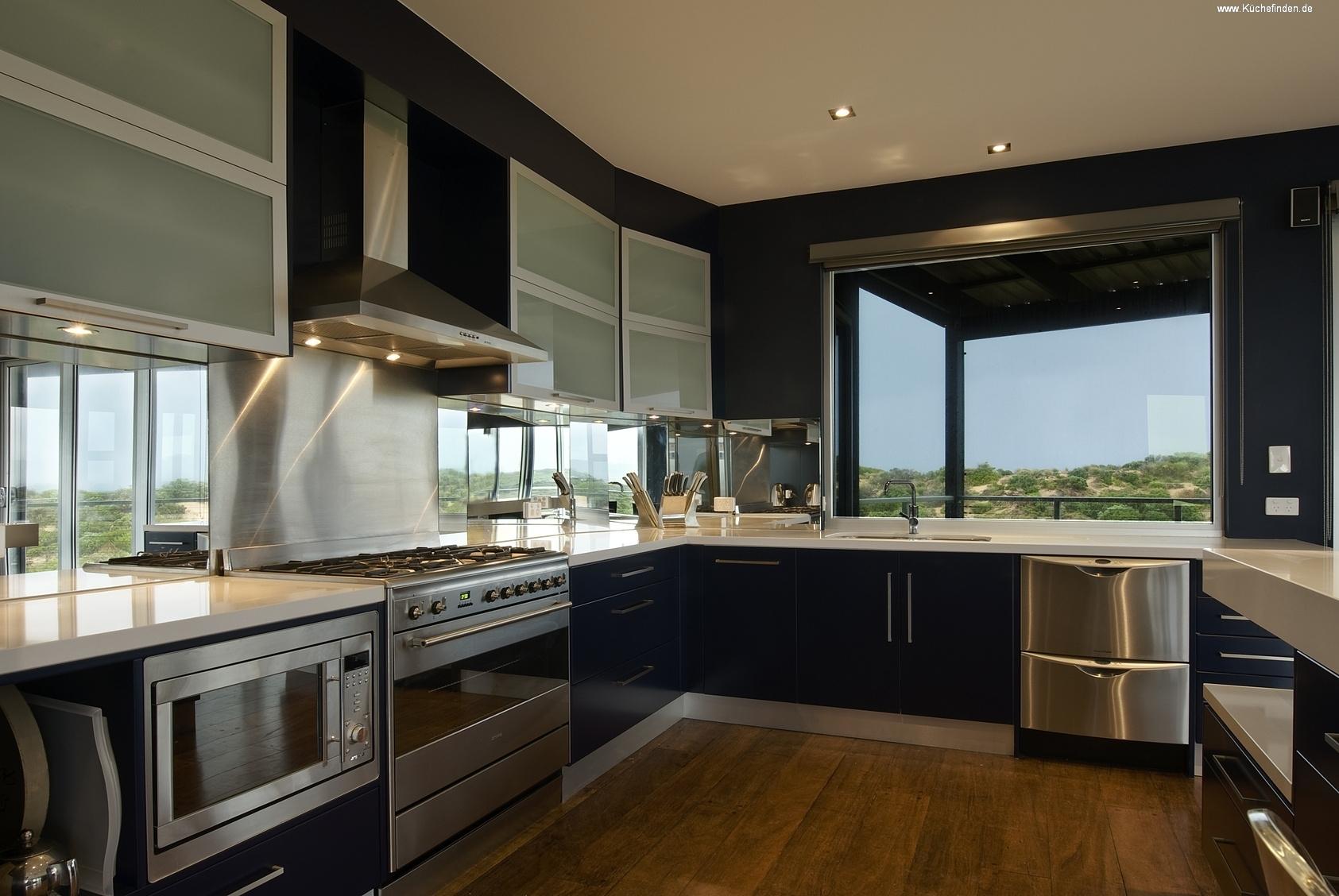 die k chengalerie auf k. Black Bedroom Furniture Sets. Home Design Ideas