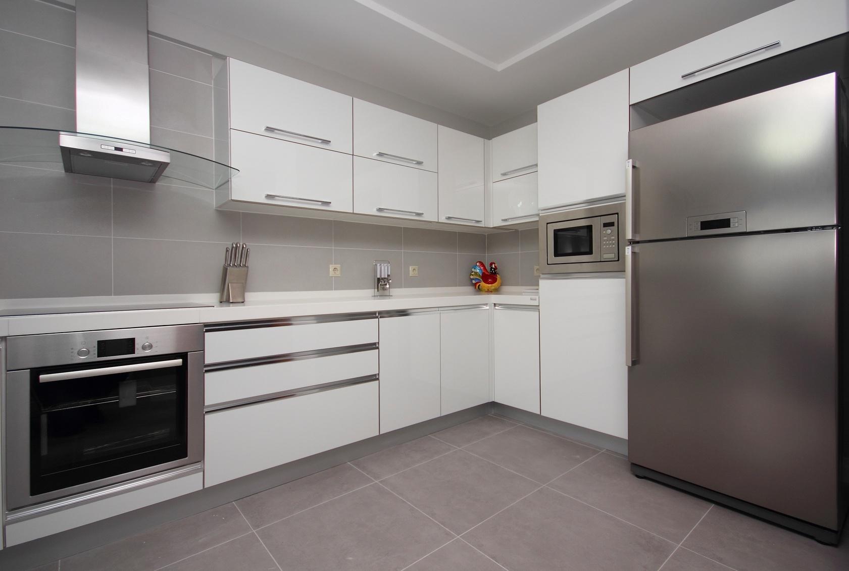 moderne k chen in l form modernes haus. Black Bedroom Furniture Sets. Home Design Ideas