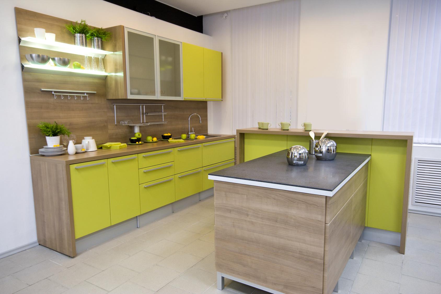 gelbe kchenzeile affordable hcker komfortable kchenzeile in frischem gelb uno goldgelb. Black Bedroom Furniture Sets. Home Design Ideas