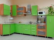 Trendige grüne Einbauküche in L-Form