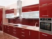 rote Hochglanzeinbauküche