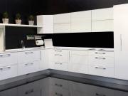 Traumküche in weiß mit hochwertigen Acrylfronten