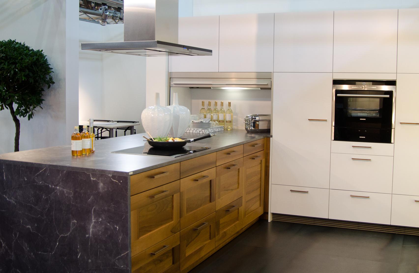 beautiful k chen in holzoptik images house design ideas. Black Bedroom Furniture Sets. Home Design Ideas