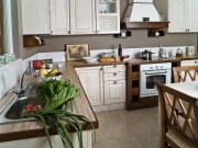 Luxuriöse Küche im Landhausstil