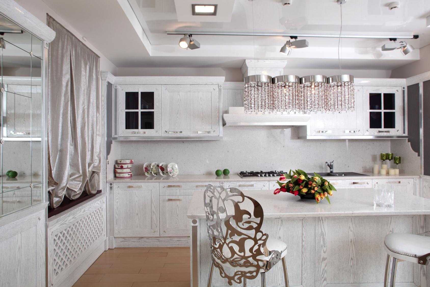 Kuchenliebhaberde for Landhausküchen wei