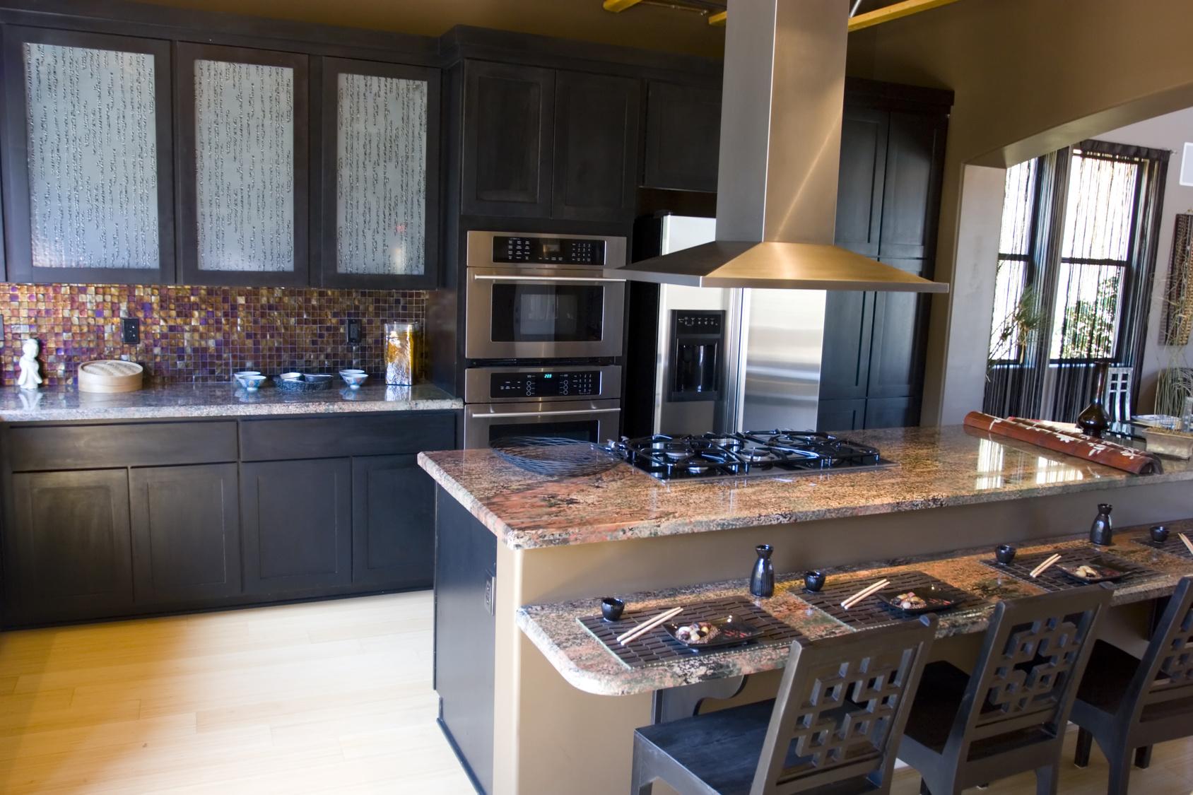 Luxusküche Mit Komfortabler Kücheninsel