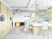 Offene Wohnküche im luxuriösen Stil