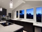 Exklusive U-Form Küche mit Küchenhalbinsel