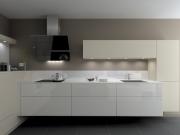 Moderne L-Form Küche in Weiß