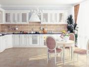 Klassische weiße Winkelküche im Landhausstil