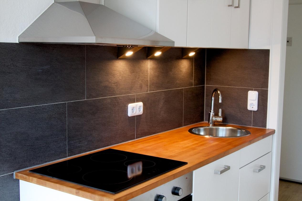 die singlek che moderne einbauk che f r wenig geld. Black Bedroom Furniture Sets. Home Design Ideas