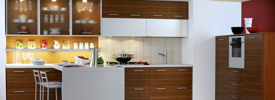 Die Küche mit Halbinsel