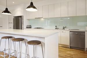 Zweizeilige Küche weiß