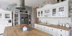 Behaglichkeit und Funktionalität in der Landhausküche